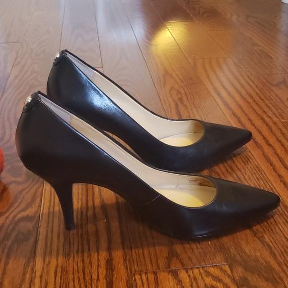 Michael Kors Black Pointed Toe Heels